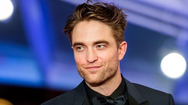Robert Pattinson Positif COVID-19, Syuting The Batman ...